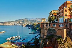 Private Walking Tour in Sorrento with Guide and Tasting