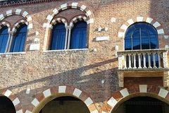 """""""In Fair Verona"""", guided tour with local licensed tourist guide"""