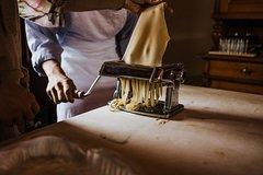 Fresh Pasta, Gnocchi & Italian Sauces in a cozy Florentine Home