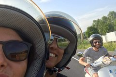 Tuscany Vespa Tours: half day vespa tour through the hills of Chianti