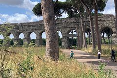 Roman Ancient Aqueducts, Villa of Quintili and Castelli Romani Private Tour