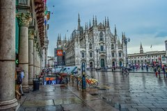 Enjoy with Private Guided Milan Duomo Tour & Terrace