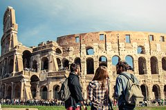 Private Full Day Tour – Skip the Line Tickets Colosseum & Lunch in Tr