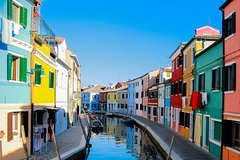 Private Day Trip to Murano and Burano islands from Venice with a local