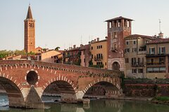 Touristic highlights of Verona on a Private full day tour with a local