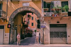 Fascinating Verona - a private tour with a local