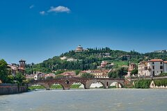 Touristic highlights of Verona on a Private half day tour with a local