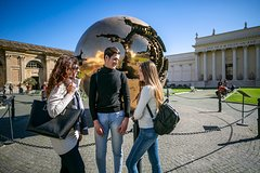 Skip the Line Tour of The Vatican Museums Sistine Chapel & St.Peters Ba