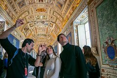 Skip the Line Vatican Sistine Chapel & Saint Peter with a Local Guide