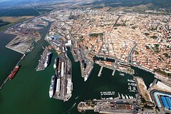 Transfer Florence to Port of Livorno or the other way around.