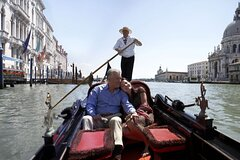 Private Gondola Ride with Dinner at the Palazzetto Pisani