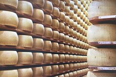 Parma Parmesan Cheese Factory, private guided tour