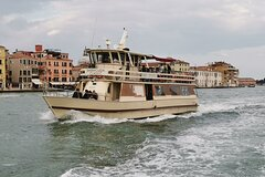 Direct transfer by boat from Tronchetto to San Marco