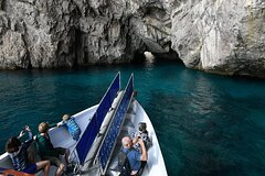 Full-Day Guided Tour to Capri Island with Blue Grotto Option from Sorrento
