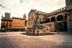 Bologna in 1 day by High Speed Train from Milan (Asinelli Tower & Food