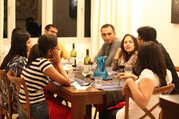 4-course Indian Dining At Home with Local Host