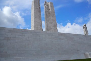 Private Canadian WW1 Vimy & Somme Battlefield Tour from Arras or Lille