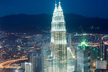 Skip the Line Kuala Lumpur Petronas Twin Towers Ticket with Delivery