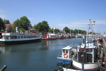 Warnemuende Shore Excursion: Berlin Private Sightseeing Tour from Rostock