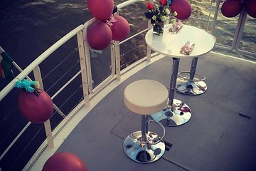70 minutes romantic boat cruise on Valentine's day in Budapest