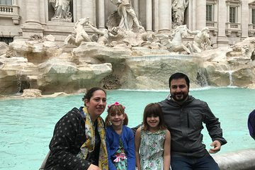 Heart of Rome Private Family Tour with Gelato and Pizza