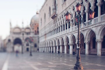 Venice Walking Tour and Gondola Ride Combo Tickets
