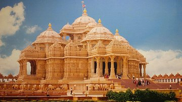 Private Old and New Delhi Full-Day Tour with Akshardham Temple Tickets