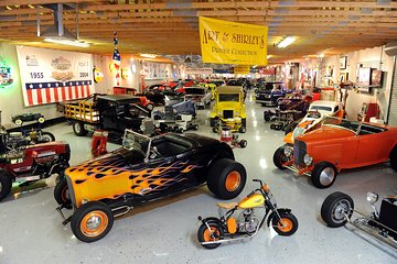 Skip the Line: Nostalgia Street Rods Museum Ticket and Optional VIP Tour
