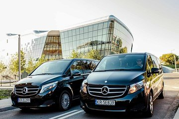 Private Krakow airport transfer up 8 people