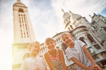 Paris: Montmartre and Sacre Coeur Private Tour for Kids and Families
