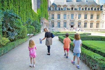 Kids and Families Marais Private Tour in Paris including Jewish Quarter