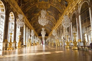 VIP: Palace of Versailles Tour with Private Viewing of the Royal Quarters