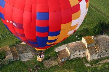 Volo in mongolfiera sulla Toscana
