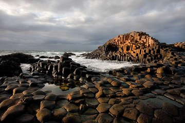 Giant's Causeway Premium Day Tour from Belfast (Includes Admissions)