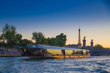 Bateaux Mouches Seine River Paris by Night Dinner Cruise with Live Music
