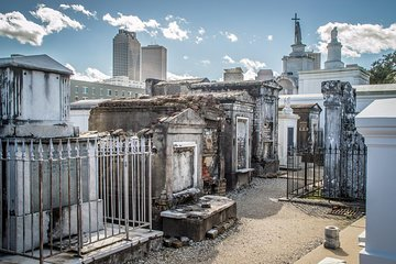 Most Popular New Orleans Walking & Biking Tours (with Prices)
