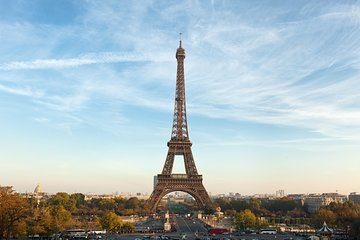 Fully Guided Luxury Paris Day Trip with Lunch at the Eiffel Tower