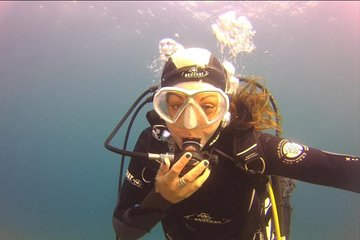 Small-Group 3-Hour Scuba Diving Trip in the Calanques National Park from Marseille