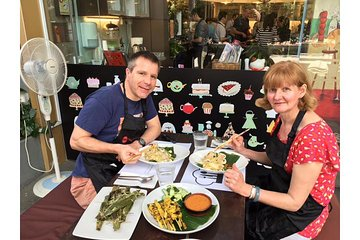 Private Singapore Cooking Experience with Optional Market Visit