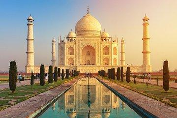 From Delhi: Taj Mahal Sunrise Tour and on return back Old Delhi Walking Tour