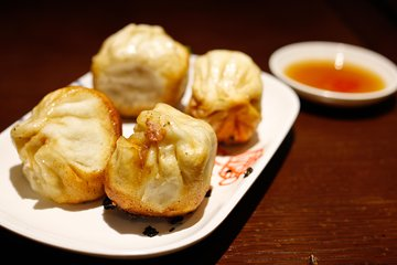 Authentic Local Food Tour in Central Shanghai