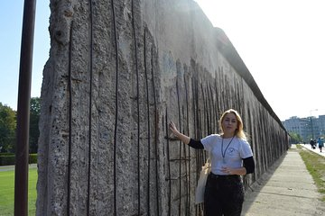 4-Hour Berlin Sightseeing and Food Tasting Tour