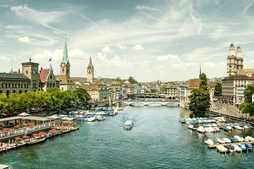 Zurich Tour Including Lake Cruise and Lindt Home of Chocolate