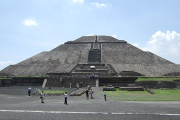 Teotihuacan, Tlatelolco, Guadalupe Shrine and Tequila Tasting Tour