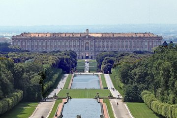 Royal Palace of Caserta and La Reggia Shopping Day Trip from Naples