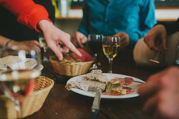 Paris Small Group or Private Bistrot Crawl: Wine, Beer and Aperitif