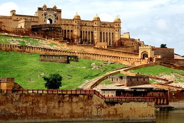Full Day Jaipur (Pink City) Tour from Delhi by Express Train Tickets