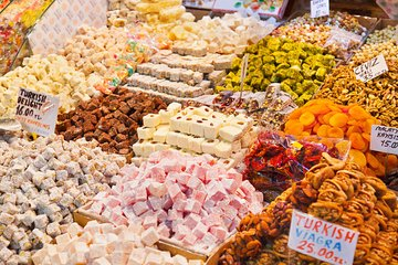 Istanbul Street Food Tour and Picnic Tickets