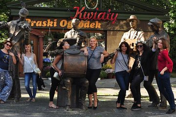Warsaw Small Group Walking Tour Including Local Food and Drink Samples
