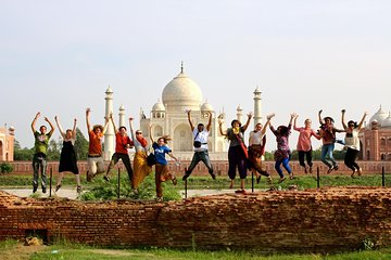 Taj Mahal Guided Tour From Delhi By Car